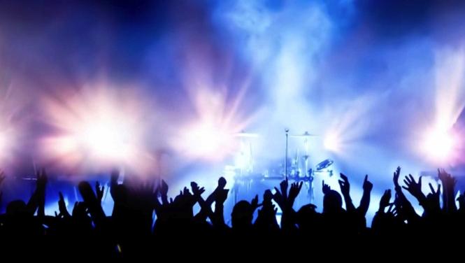 6360302589160107661103846388_concert-crowd-crop-1024x433